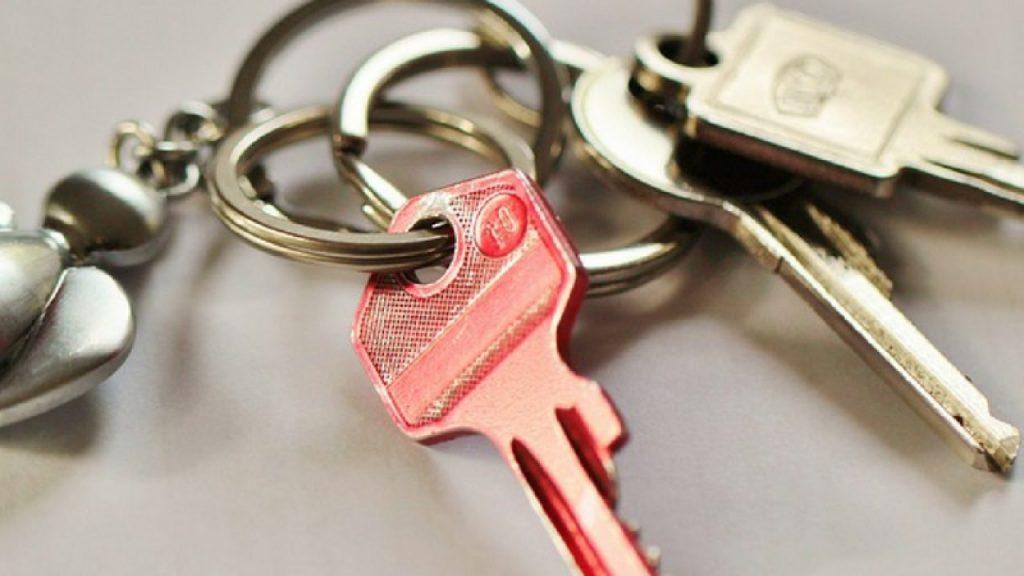 Lo que debes considerar al esconder las llaves de tu casa